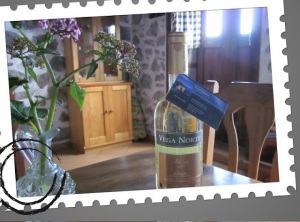 La Casita welcomes you with a lovely bottle of La Palma wine